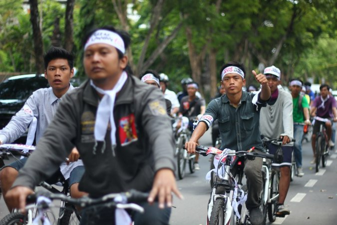 Youth for Food Sovereignty -bicycle around Bali to #EndWTO